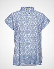 By Malina Paisley Blouse Bluse Kortermet Blå BY MALINA