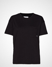 Makia Dusk T-Shirt T-shirts & Tops Short-sleeved Svart MAKIA
