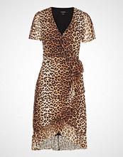 Soaked in Luxury Sl Easton Una Dress Ss Knelang Kjole Brun SOAKED IN LUXURY
