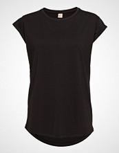 Custommade Connie T-shirts & Tops Short-sleeved Svart CUSTOMMADE