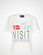 HAN Kjøbenhavn Artwork Tee T-shirts & Tops Short-sleeved Hvit HAN KJØBENHAVN