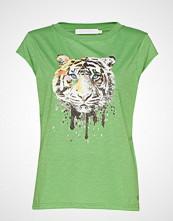Coster Copenhagen T-Shirt W. Tiger Print T-shirts & Tops Short-sleeved Grønn COSTER COPENHAGEN