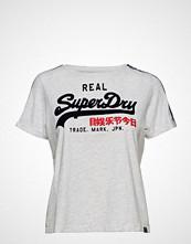 Superdry Vintage Logo Sleeve Tape Boxy Tee T-shirts & Tops Short-sleeved Hvit SUPERDRY