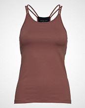 Filippa K Soft Sport Strap Yoga Tank T-shirts & Tops Sleeveless Rød FILIPPA K SOFT SPORT