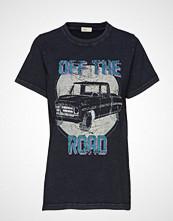 Levete Room Lr-Camry T-shirts & Tops Short-sleeved Svart LEVETE ROOM