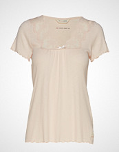 Odd Molly Secret Break Top T-shirts & Tops Short-sleeved Creme ODD MOLLY