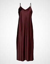 Second Female Arzur Slip Dress Knelang Kjole Rød SECOND FEMALE