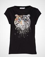 Coster Copenhagen T-Shirt W. Tiger Print T-shirts & Tops Short-sleeved Svart COSTER COPENHAGEN