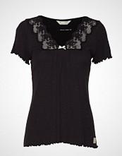 Odd Molly Secret Break Top T-shirts & Tops Short-sleeved Svart ODD MOLLY
