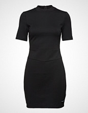 Calvin Klein Fitted Milano Dress, Kort Kjole Svart CALVIN KLEIN JEANS
