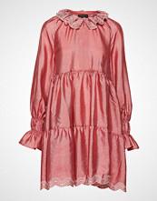 Stine Goya Daki, 636 Textured Poly Kort Kjole Rosa STINE GOYA
