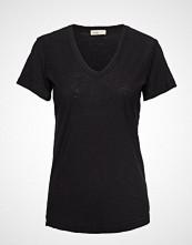 Levete Room Lr-Any T-shirts & Tops Short-sleeved Svart LEVETE ROOM