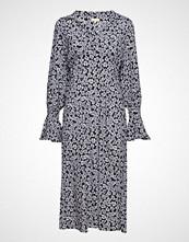 by Ti Mo Midi Day Dress Knelang Kjole Svart BY TI MO