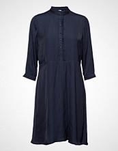 Minus Lunda Dress Knelang Kjole Blå MINUS