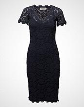 Rosemunde Dress Ss Knelang Kjole Svart ROSEMUNDE
