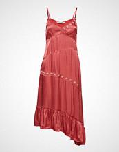 Odd Molly Party Angles Dress Knelang Kjole Rosa ODD MOLLY