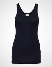 By Malene Birger Newdawn T-shirts & Tops Sleeveless Svart BY MALENE BIRGER