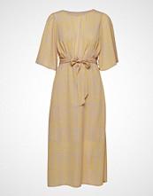 Yas Yaswingy Midi Dress Knelang Kjole Gul YAS