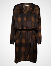 Rabens Saloner Geometric Wrapover Short Dress Knelang Kjole Brun RABENS SAL R