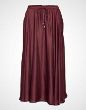 Lexington Clothing Della Satin Skirt Knelangt Skjørt Rød LEXINGTON CLOTHING