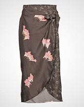 Coster Copenhagen Skirt In Sky Print W. Dot Print Det Knelangt Skjørt Rosa COSTER COPENHAGEN