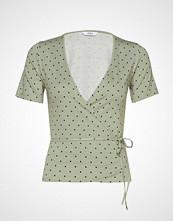 Envii Enmusic Ss V-N Tee Aop 5890 T-shirts & Tops Short-sleeved Grønn ENVII