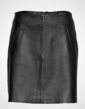 Selected Femme Slfnini Mw Leather Skirt B Kort Skjørt Svart SELECTED FEMME