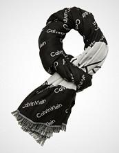 Calvin Klein 100x200cm Logo Jaqua Skjerf Svart CALVIN KLEIN