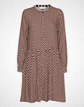 Denim Hunter Dhpea Printed Dress Knelang Kjole Brun DENIM HUNTER