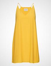 Calvin Klein Flared Slip Dress Kort Kjole Gul CALVIN KLEIN JEANS