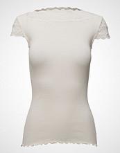 Rosemunde Silk T-Shirt Regular Ss W/ Lace T-shirts & Tops Short-sleeved Creme ROSEMUNDE