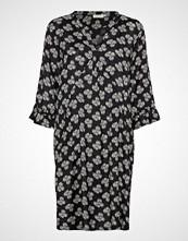 Masai Nolene Dress Knelang Kjole Svart MASAI