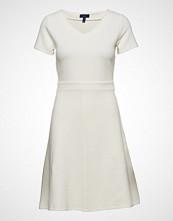 Gant O1. Textured Flared Dress Kort Kjole GANT