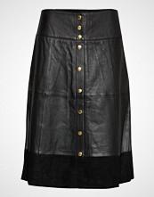 Coster Copenhagen Leather Skirt W. Button Closure Knelangt Skjørt Svart COSTER COPENHAGEN