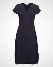Filippa K Clean-Cut Cap Sleeve Dress Knelang Kjole Blå FILIPPA K