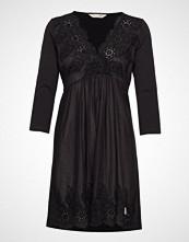 Odd Molly Backyard Dress Knelang Kjole Svart ODD MOLLY