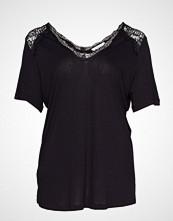 Violeta by Mango Lace Appliqu T-Shirt Bluse Kortermet Svart VIOLETA BY MANGO