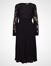 by Ti Mo Decor Midi Dress Knelang Kjole Svart BY TI MO
