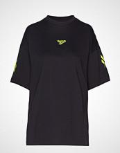 Reebok Classics Cl V P Over D Tee T-shirts & Tops Short-sleeved Svart REEBOK CLASSICS