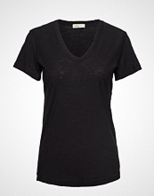 Levete Room Lr-Any T-shirts & Tops Short-sleeved Svart LEVETE ROOM