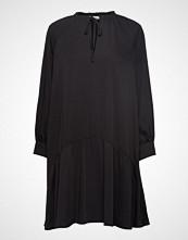 Calvin Klein Front Tie Detail Dress Ls Kort Kjole Svart CALVIN KLEIN