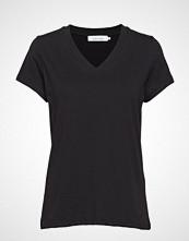 Samsøe & Samsøe Solly V-N T-Shirt 205 T-shirts & Tops Short-sleeved Svart SAMSØE & SAMSØE