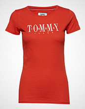Tommy Jeans Tjw Casual Tommy Tee T-shirts & Tops Short-sleeved Rød TOMMY JEANS