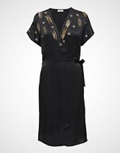 Valerie Vegas Dress Knelang Kjole Svart VALERIE