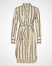 Soaked in Luxury Sl Konnie Shirt Dress Knelang Kjole Beige Soaked In Luxury