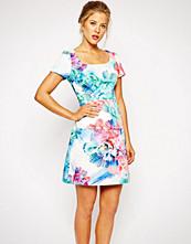 Coast Lilianna Textured Shift Dress