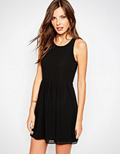 Bcbgeneration Cocktail Dress With Cut Out