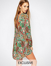 Reclaimed Vintage Long Sleeve Tunic Dress With Tie Back Detail In Paisley Floral Print