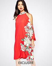 Liquorish Cold Shoulder Dress in Floral Placement Print