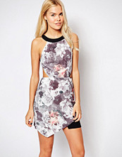 stylestalker Style Stalker Sweetheart Floral Dress with Cut Outs